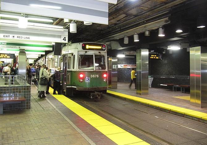 El metro de Boston está operando al máximo por primera vez en dos meses