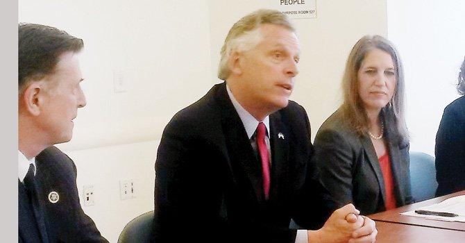 McAuliffe optimista con expansión de Medicaid en VA