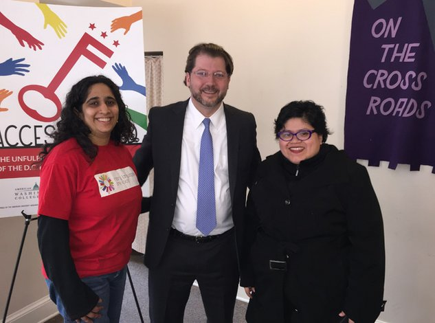 Justicia lingüística para las comunidades inmigrantes de DC