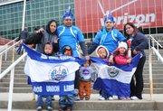 La familia Bonilla llevó cinco niños al partido El Salvador vs. Argentina el sábado 28 de marzo de 2015 en el estadio FedEx Field de Landover, MD.