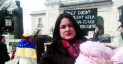 VOZ. Carla Bustillos durante una protesta por la situación en Venezuela ante la Organización de Estados Americanos (OEA) en Washington, DC.