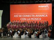 La Orquesta y Coro Sinfónico Polígono Industrial Don Bosco en un concierto el 10 de abril en San Salvador.