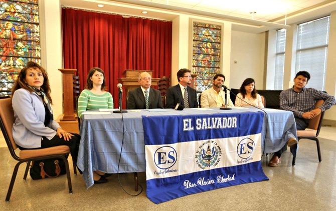 Salvadoreños defienden derecho al agua