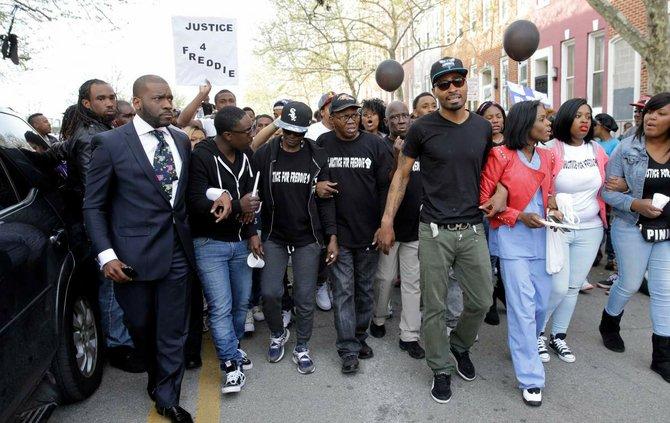 Baltimore:gobernador de Maryland llama a un día de oración y paz