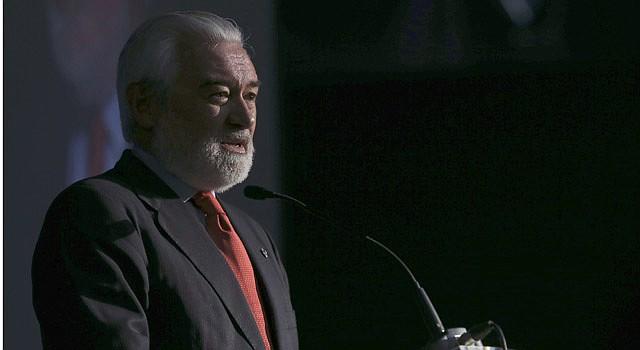El director de la Real Academia Española (RAE), Darío Villanueva, durante su intervención en la inauguración del I Foro Internacional del Español 2015
