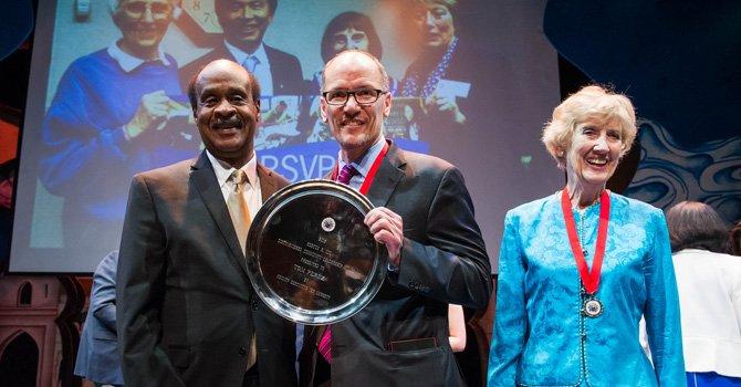Montgomery premia el espíritu de servicio