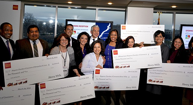 La USHCC y Wells Fargo premiaron en marzo programas de desarrollo empresarial de varias cámaras de comercio hispanas en diferentes partes del país.