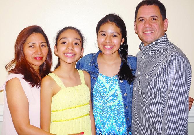 Samantha Ríos, su voz es un regalo para mamá