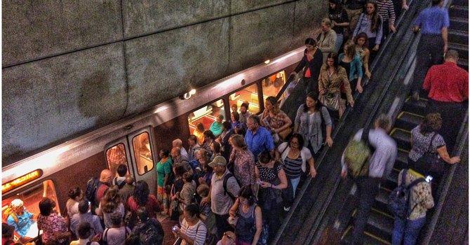 Metro suspende servicio en tramos de las líneas Naranja, Azul y Plateada en Virginia