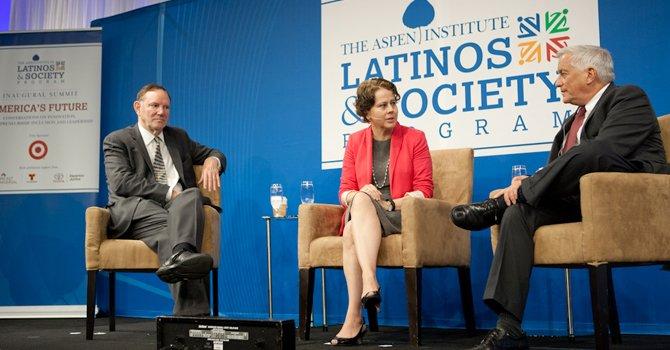 Analizan el futuro del liderazgo hispano