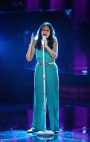 """Samantha Ríos durante su presentación el domingo 24 de mayo cuando fue """"salvada"""" por Daddy Yankee."""