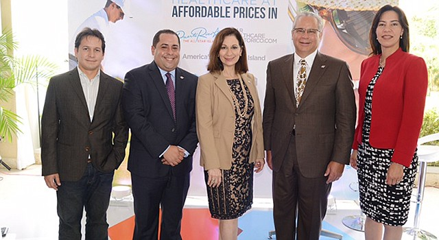 Junta de Directores de Turismo Médico. De izq. a der., Dr. Omar Cruz, Francisco Bonet, Ingrid Rivera, Alberto Baco y Waleska Crespo.