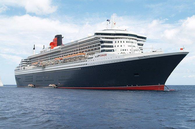 Crucero Queen Mary 2, que se promociona como el más grande y costoso barco de pasajeros en la historia.