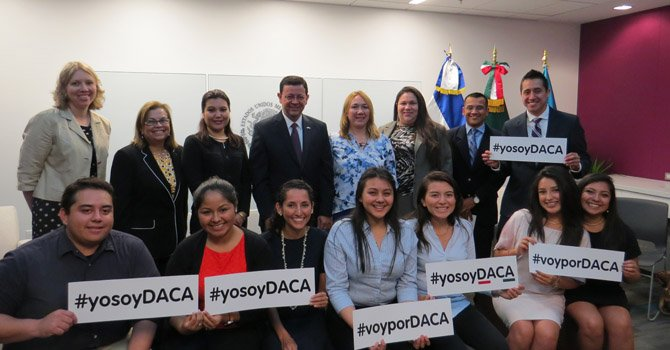 Miles de dreamers que califican a DACA no acceden al beneficio