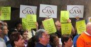 Organizaciones como CASA de Maryland, Progressive Maryland y el sindicato SEIU Local 500 se concentraron ante el Concejo de Montgomery para celebrar la nueva ley que asegura días pagados por enfermedad para los trabajadores de esta jurisdicción de Maryland.