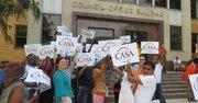Organizaciones de trabajadores celebraron y reivindicaron ante el edificio del Concejo en Montgomery la aprobaciónd e la ley que asegura días pagados por enfermedad.