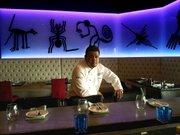 Juan Yuki Nakandakari, chef ejecutivo  de Pisco Restaurant en Elkridge, Maryland, fue en 2013 ganador de un concurso de ceviche en el área metropolitana de Washington.