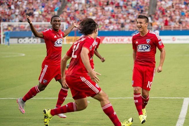 New England Revolution ufe goleado de visitante por el FC Dallas