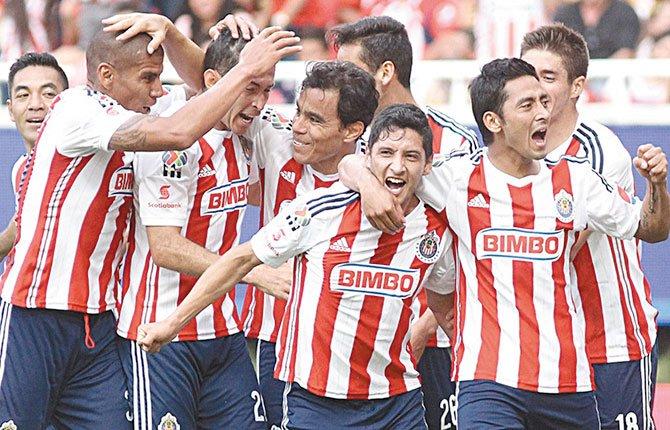 Chivas sale a defender su liderazgo