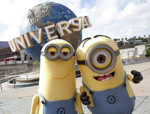 Si sus hijos son fanáticos de estos simpáticos seres color amarillo y le gustaría que tuvieran un encuentro con ellos, en el parque temático Universal de Orlando  puede conocerlos.