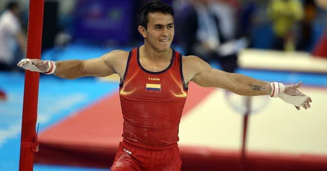 Calvo entra en la historia del deporte colombiano con tres oros panamericanos