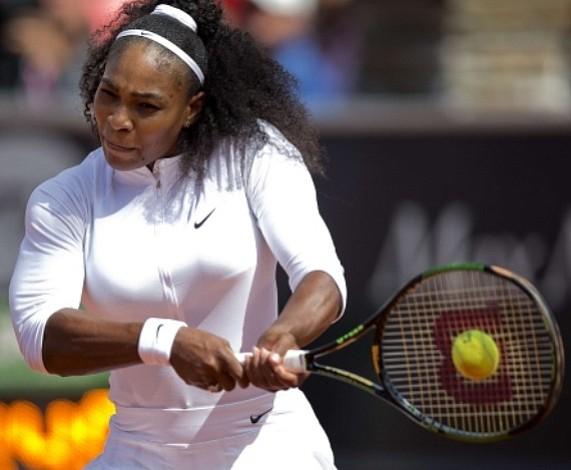 Serena Williams derrotó sin problemas a Ysaline Bonaventure en primera ronda del Abierto de Suecia