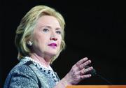 Hillary Clinton (D) promete que luchará por la reforma migratoria.