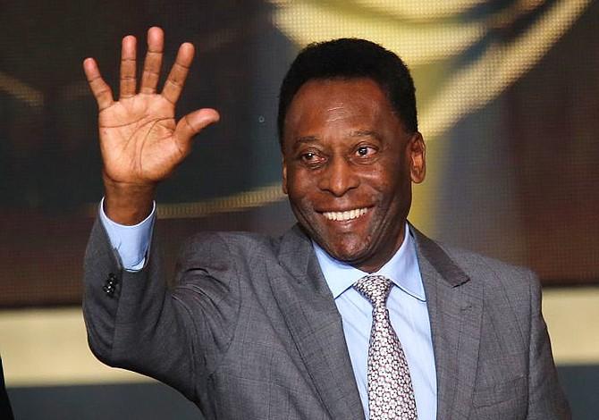 """El ídolo mundial """"Pelé"""" recibe el alta tras operación de columna"""