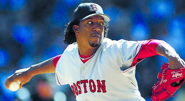 El dominicano Pedro Martínez brilló con los Medias Rojas de Boston. El domingo 26 ingresa al Salón de la Fama del Béisbol en Cooperstown, NY.