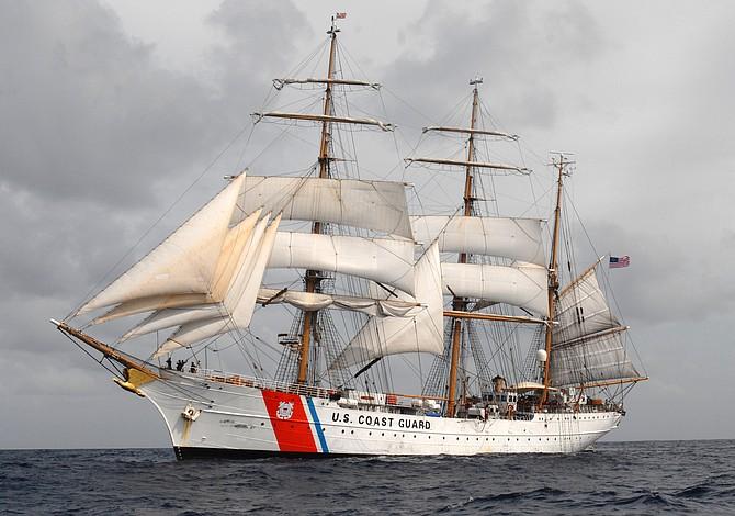 """Este fin de semana visite gratis el barco """"Eagle"""" en el muelle de Charlestown"""