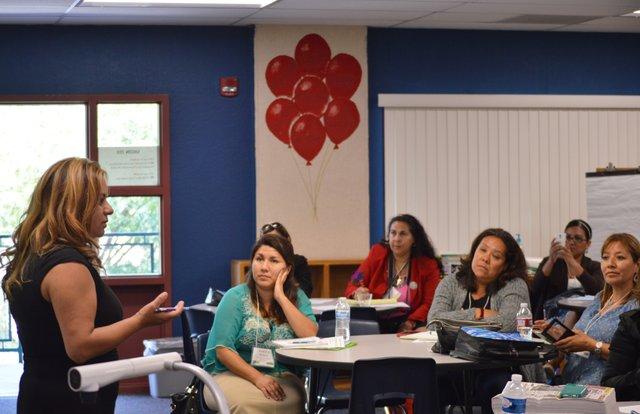 """Fanny Miller, directora y editora del periódico El Latino San Diego, durante la Conferencia de Promotoras """"Adelante"""" 2015, en Chula Vista a principios de julio."""