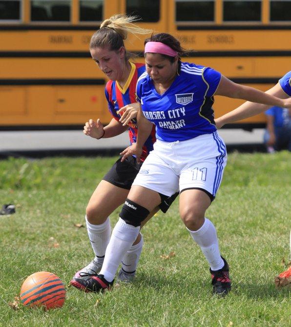 Acción de la semifinal de la American Soccer League de Herndon.