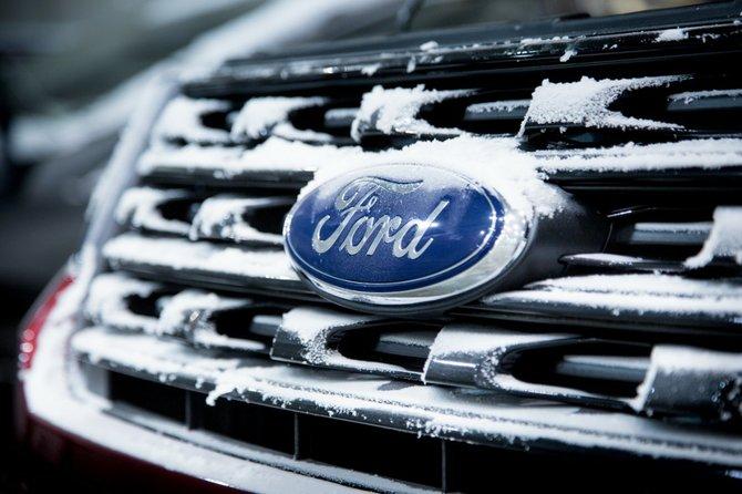 Ford prueba sus prototipos en el frío extremo de la.......Florida
