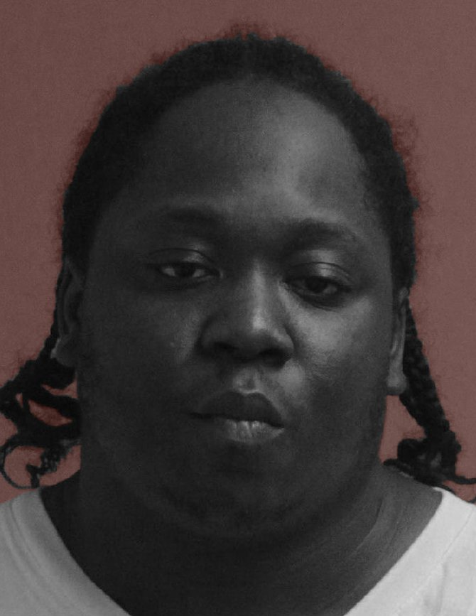 Michael Wesley Lee, de 31 años, sirve una sentencia de 13 años en prisión federal desde marzo al ser declarado culpable en tráfico sexual y cargos de prostitución.