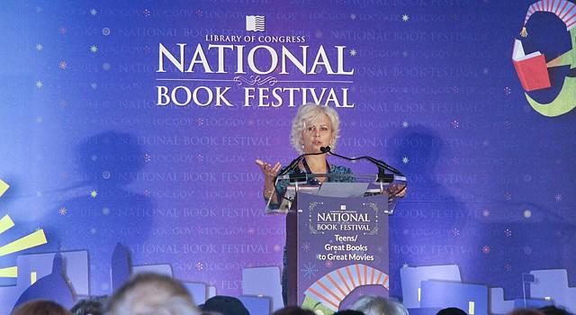 La Embajadora Nacional de Literatura para Gente Joven, Kate DiCamillo habla en el Festival Nacional del Libro del año pasado, el 30 de agosto de 2014.