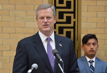 Gobernador Baker rechaza declaraciones anti-musulmanas de Dunald Trump