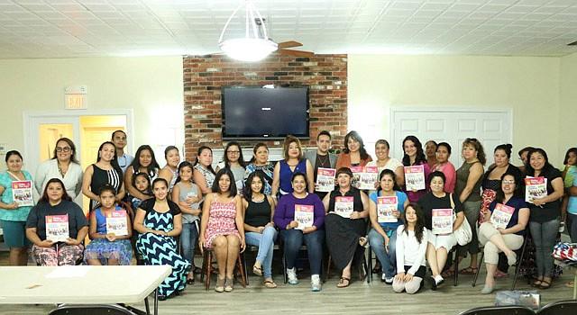 GRUPO. Participantes del programa Emprende Mujer, que se impartió en Chantilly, Virginia, recientemente.