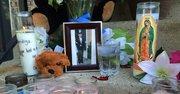 Velas en memoria del joven salvadoreño, Danny Centeno, en el condado de Loudoun, Virginia.