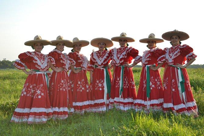 Las Amazonas del Dorado, de izq., a der., María Eugenia Alvarez, Beatríz Castro, Adriana Jiménez, Lilia Castro, Eloina Castro, Lorena Anguiano y Rosa Alvarez.