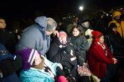 AYUNO. Lenka Mendoza (centro) con su esposo Carlos y su hija Fiorella el 20 de noviembre de 2014  al levantar el ayuno de 18 días tras el anuncio del presidente Barack Obama de las acciones ejecutivas.