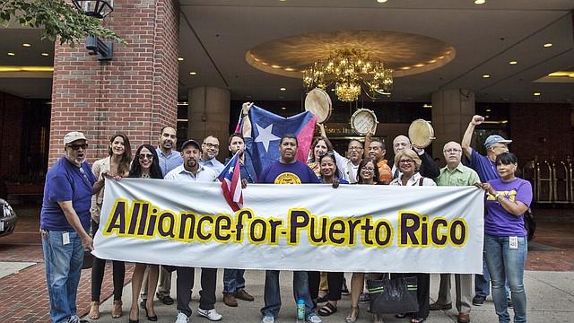 Miembros de la Alianza por Puerto Rico (AFPR) | FOTO POR: Leonardo March