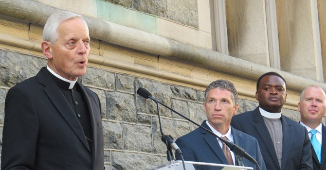 """Cardenal invita a """"caminar con Francisco"""" por los presos"""