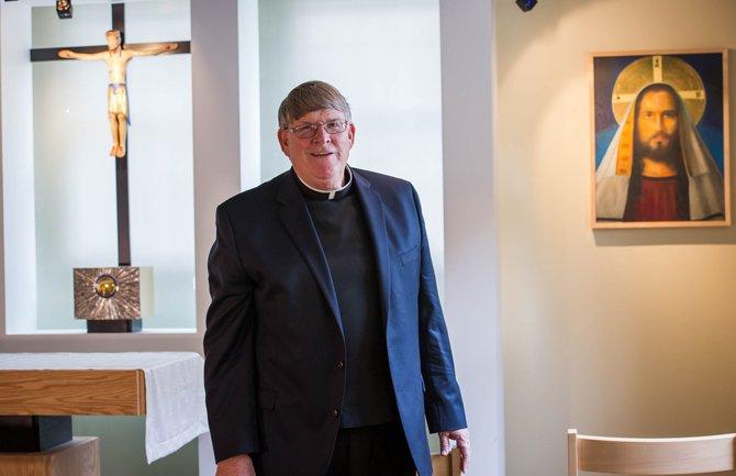 Monseñor John Enzler