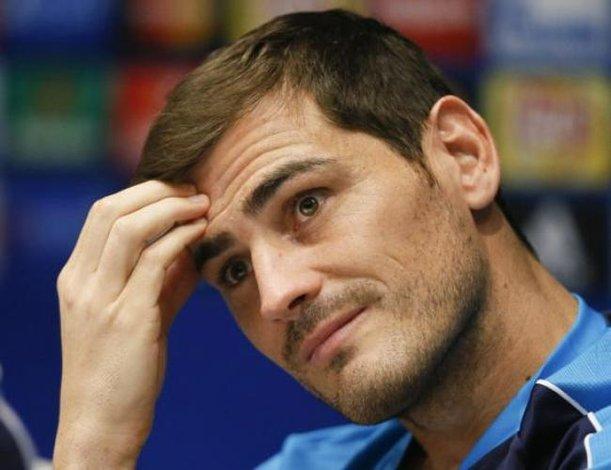Casillas se queda en el Porto hasta el final de año