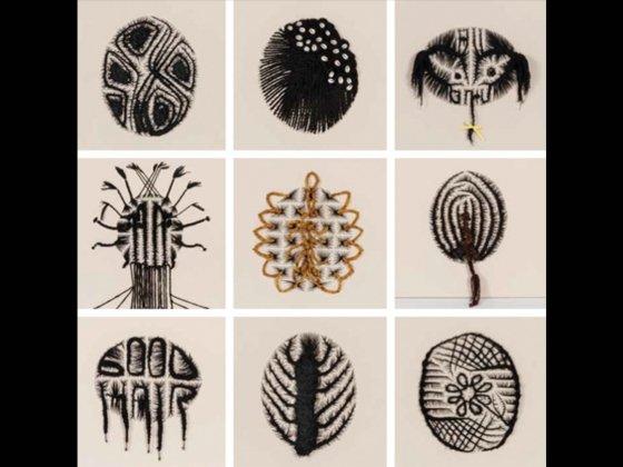 Diseña un peinado: Admira la demostración sobre peinados de Sonya Clark y después regresa al estudio para elaborar tus propios diseños usando marcadores. Lugar: Ruth and Carl J. Shapiro Family Courtyard (130.9).