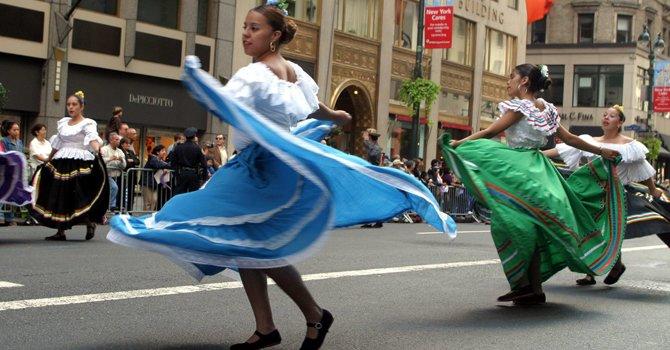 La hispanidad toma la Quinta Avenida de Nueva York