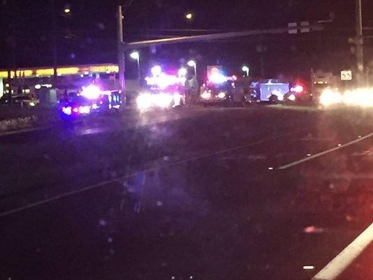Un camión de EMS y una camioneta chocaron al noreste de Austin