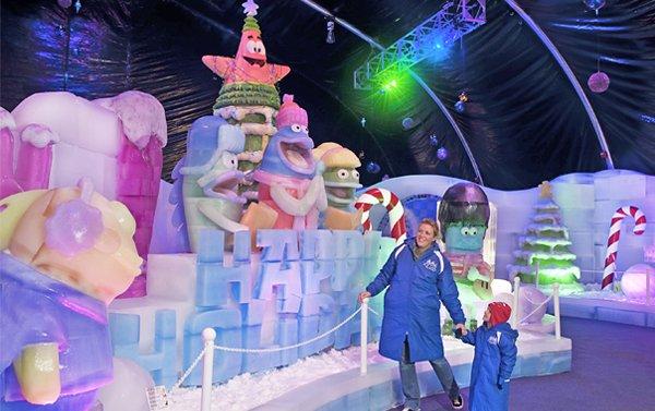 Las familias enteras podrán disfrutar de la Fiesta de Navidad de Bob Esponja en Moody Gardens desde el 14 de noviembre de este año hasta el 10 de enero del 2016.