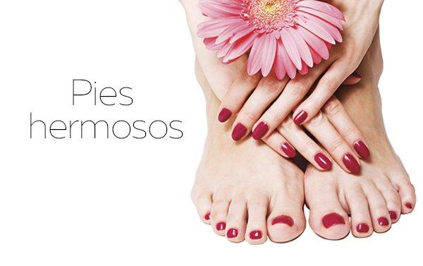 ¡También nuestros pies necesitan chiqueos! Te enseñamos como hacerte tu pedicura paso a paso para poder lucir unos pies hermosos.