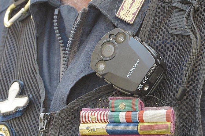 Recomiendan uso de cámaras a los agentes fronterizos